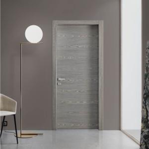 Uși cu efect de lemn